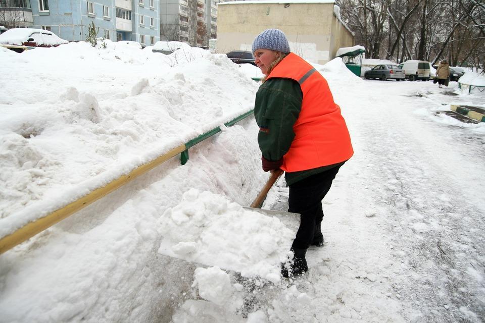 7 тыс. 700 тонн снега вывезли заночь сулиц Екатеринбурга