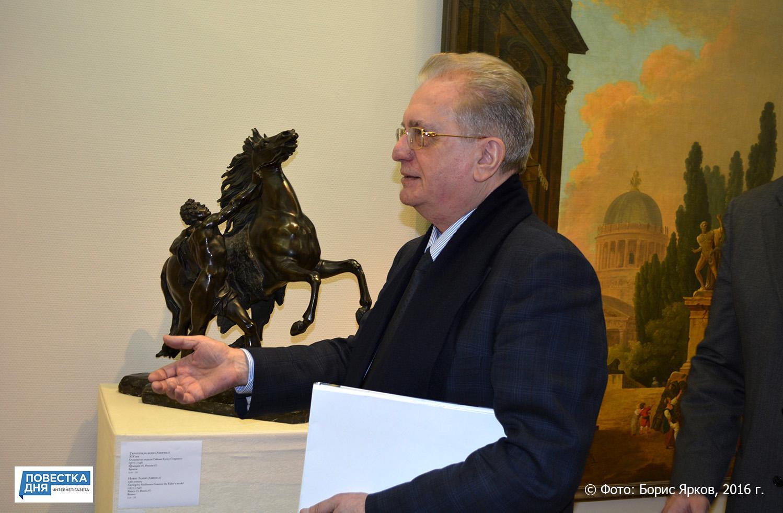 Пиотровский продемонстрировал премьеру государственного совета Китая Эрмитаж