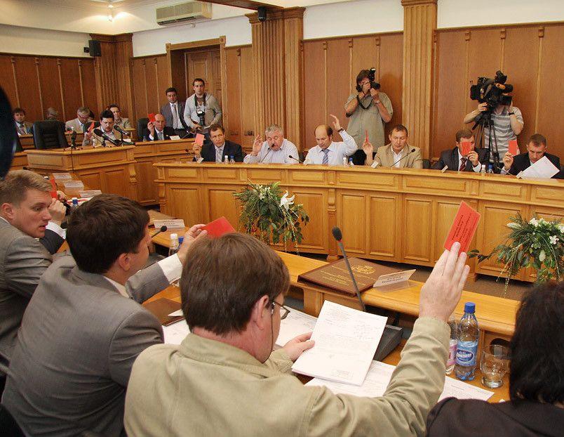 Избранникам гордумы вернули мандаты после письма изадминистрации Куйвашева