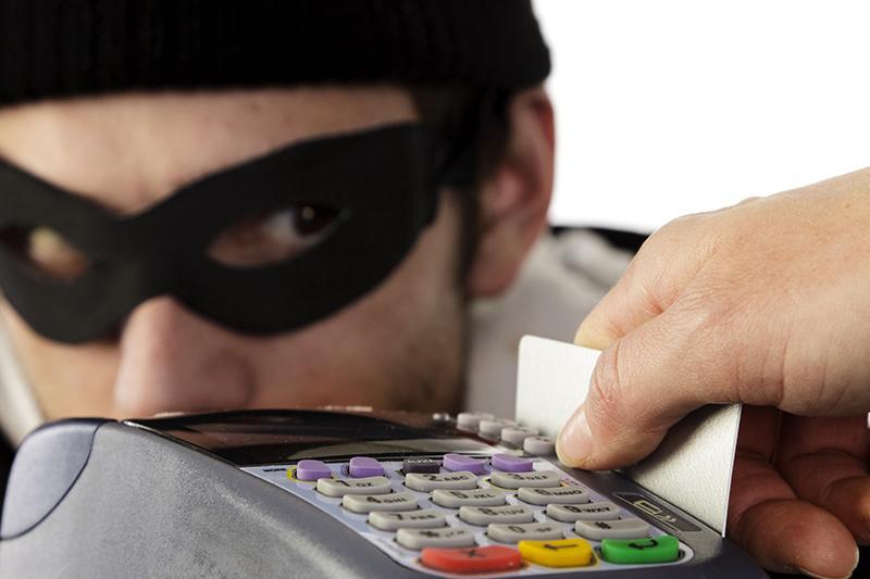 НаУрале словили банду кибермошенников, которые похищали деньги сбанковских карт