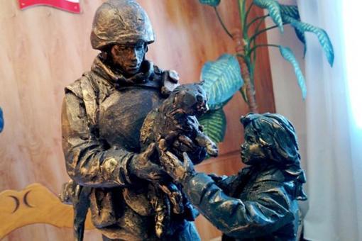 Эскиз памятника «Вежливым людям»