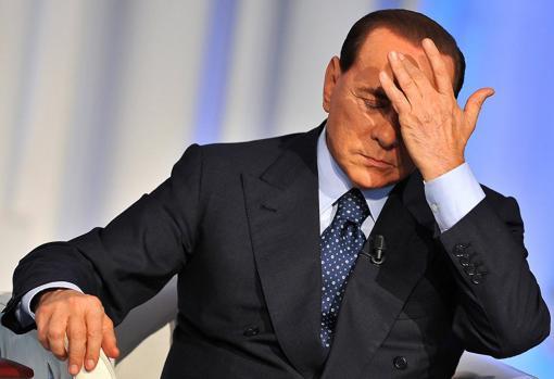 Берлускони расшиб себе голову