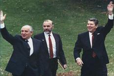 О чем писали СМИ 25 лет назад: Православный спутник американских президентов (фото)
