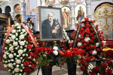 В Екатеринбурге прошла церемония прощания с Владиславом Крапивиным (фото)