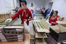 Уральские добровольцы акции #МыВместе доставят 900 продуктовых наборов нуждающимся