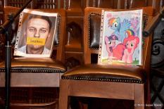 Желающие участвовать в выборах свердловского губернатора выстроились в очередь