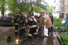 Пожар в центре Екатеринбурга, пожарные спасли 14 человек (фото, видео)