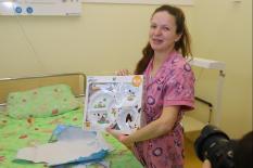 Всем детям, родившимся в день небесной покровительницы Екатеринбурга, вручили подарки