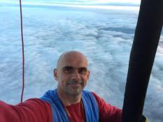 Екатеринбуржец облетел Эльбрус на воздушном шаре