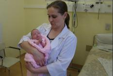 Свердловские врачи спасли младенца весом 370 грамм