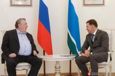 Проханов пожелал Куйвашеву повторить культурный подвиг Мухиной