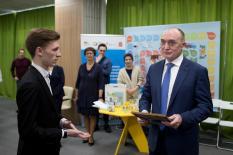 Дубровский увеличит финансовую поддержку общественных проектов