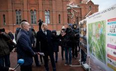 Борис Дубровский проверил реализацию программ благоустройства городской среды в Челябинске