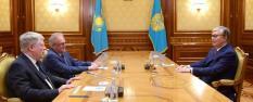 Токаев побеждает на президентских выборах в Казахстане
