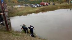 Три человека погибли в Свердловской области при попытке пересечь реку на автомобиле