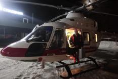 Летающий доктор за ночь спас трех пациентов в разных концах Свердловской области