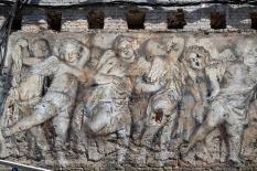 На стене дома в Екатеринбурге появился «барельеф» эпохи Возрождения