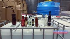 На Урале полиция накрыла подпольный склад с суррогатным алкоголем (фото)