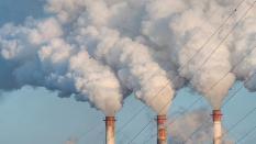 В Асбесте завод остановил работу из-за опасных выбросов