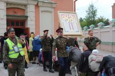 Участники Крестного хода Тобольск – Екатеринбург пересекли границу Свердловской области