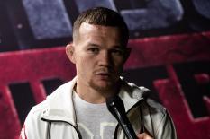 Петр Ян лишился титула чемпиона UFC за запрещенный удар