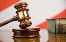 Прокуратура добилась взыскания 14,6 млн. рублей с бывшего мэра Камышлова