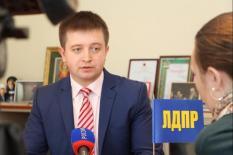 Первый кандидат на пост губернатора Среднего Урала сдал подписи в избирком