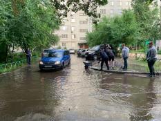Несколько улиц Воронежа затопило после сильного ливня