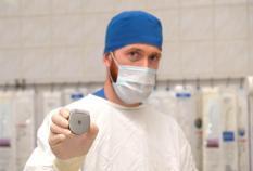Уральские нейрохирурги начали проводить имплантации датчиков, блокирующих боль