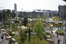 Площадь 1905 года превратилась в цветущий сад (фото)