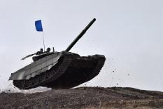 На Южном Урале лучшие взводы ЦВО состязаются в «Танковом биатлоне» (фото)