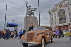 Легендарные ретро-автомобили приняли участие в «ралли» по Уралу (фото)