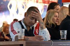 Смех и слезы: болельщики после матча Франция - Перу в Екатеринбурге (фото)