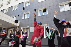 Ректор УрФУ лично привез дипломы лучшим выпускникам вуза (фото)