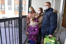 В Березовском врачи получили ключи от новых квартир (фото)