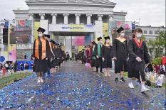 УрФУ организовал праздник для 100 лучших выпускников (фото)