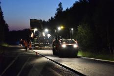 Как уральские дорожники работают ночью: фоторепортаж