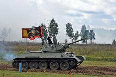 В Екатеринбурге с размахом отметили День танкиста (фото)