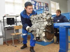 «Молодые профессионалы» соревновались по 71 компетенции  (фото)