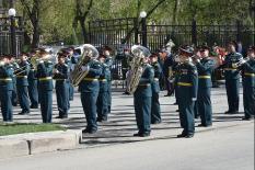 В канун Дня Победы в Екатеринбурге прошла церемония возложения цветов к памятнику Жукову (фото)