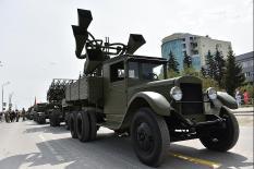 На улицы Верхней Пышмы выехали легендарные военные машины (фото)