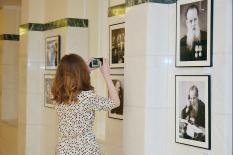 В Екатеринбурге открылась фотовыставка, посвященная жизни и творчеству Павла Бажова (фото)