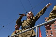 На улицы уральской столицы вышел музыкальный «Трамвай Победы» (фото)