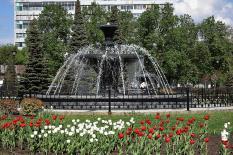 Уральская столица оживает после зимы: в городе заработали первые фонтаны (фото)