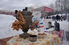 Екатеринбург с размахом простился с зимой (фото)