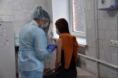Голикова рекомендовала переболевшим коронавирусом воздержаться от вакцинации