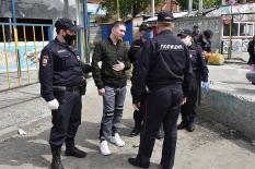 Полиция провела рейд в крупном очаге заражения COVID-19 в Екатеринбурге (фото)