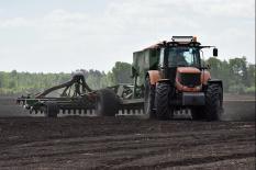В Богдановичском районе перешли на круглосуточный посев устойчивых к холодам зерновых (фото)