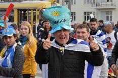 Болельщики Уругвая отпраздновали победу сборной на улицах Екатеринбурга (фото)