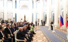 Президент вручил госнаграды выдающимся россиянам и иностранным гражданам